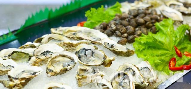 Buffet lẩu nướng không khói Gri & Gri Royal City. Menu phong phú với các nguyên liệu cao cấp mang đến những món ăn thơm ngon, đặc sắc. - 11
