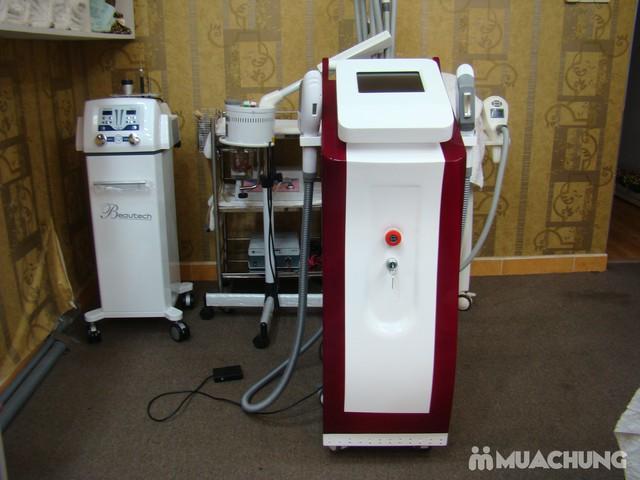 Trị mụn chuyên sâu bằng công nghệ New E-Light Derma Laser Clinics cho bạn làn da sạch mịn, mịn màng - 7