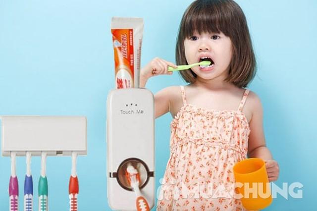 Dụng cụ lấy kem đánh răng tự động Touch Me - 14