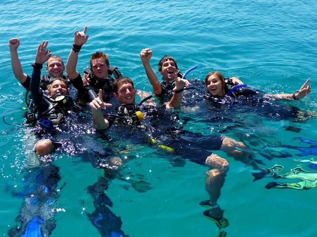 Du ngoạn 4 đảo kết hợp lặn biển Nha Trang - 4