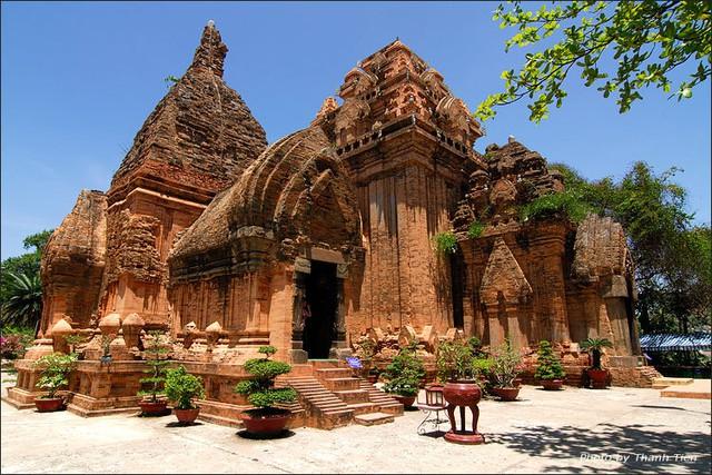 Khách sạn CR Nha Trang 2N1Đ - Trung tâm khu phố Tây - 2