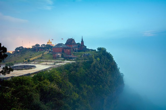 Phnôm Pênh – Bokor – Sihanoukville – Đảo Kohrong 4N3Đ - 1
