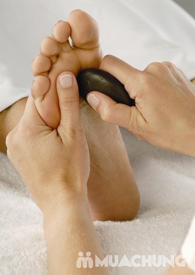 Massage body bằng tinh dầu đá nóng -Spa Snow White - 4