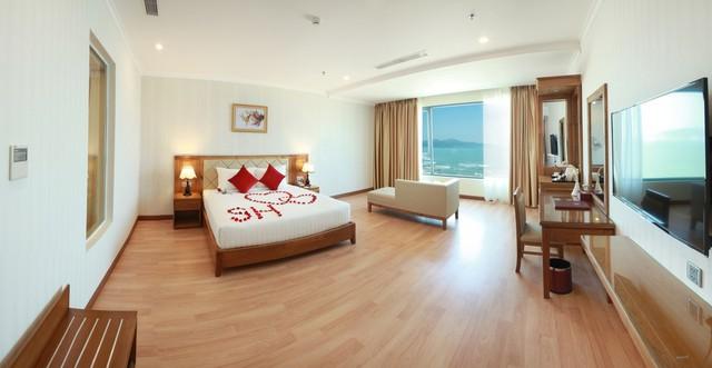 Serene Hotel 4* Đà Nẵng - Ngay bãi biển Mỹ Khê - Phòng Superior Ocean View - 17