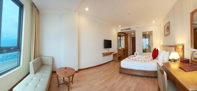Serene Hotel 4* Đà Nẵng - Ngay bãi biển Mỹ Khê - Phòng Superior Ocean View - 12