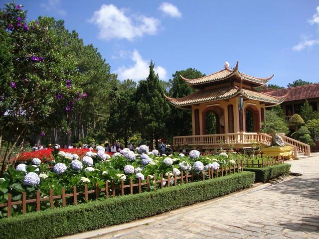 Tour Thác Pongour - Trúc Lâm Viên - Thác Prenn - Thiền viện Trúc Lâm - 1