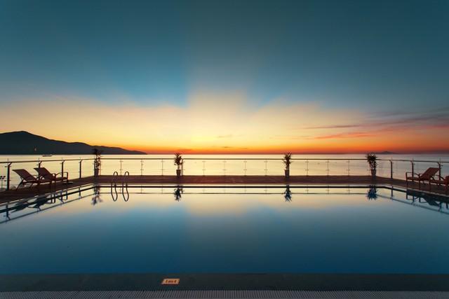 Serene Hotel 4* Đà Nẵng - Ngay mặt biển Mỹ Khê xinh đẹp - 8