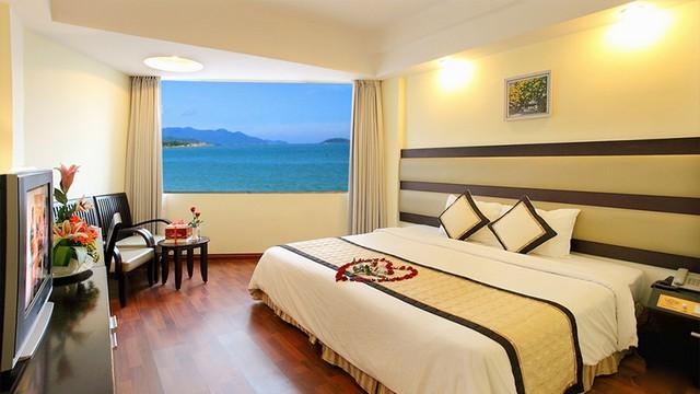 Angella Hotel Nha Trang 3* - Có hồ bơi - 3 phút tản bộ tới biển - 15