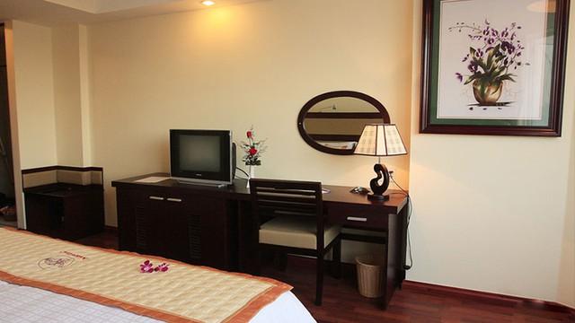 Angella Hotel Nha Trang 3* - Có hồ bơi - 3 phút tản bộ tới biển - 10