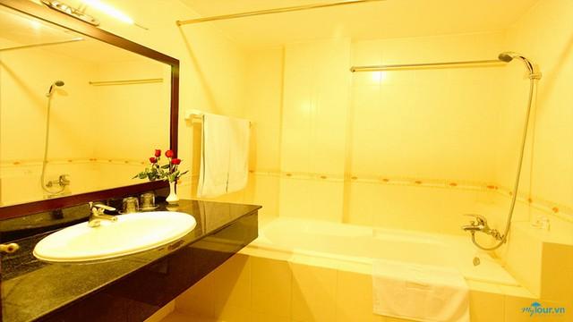 Angella Hotel Nha Trang 3* - Có hồ bơi - 3 phút tản bộ tới biển - 21