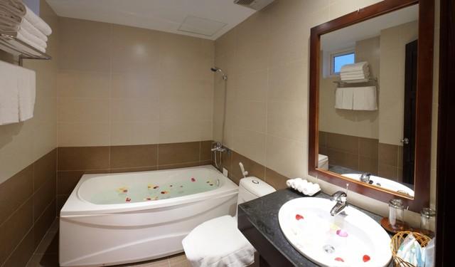 Khách sạn Gia Linh 3* Đà Nẵng - 2 phút tản bộ đến biển Mỹ Khê - 19