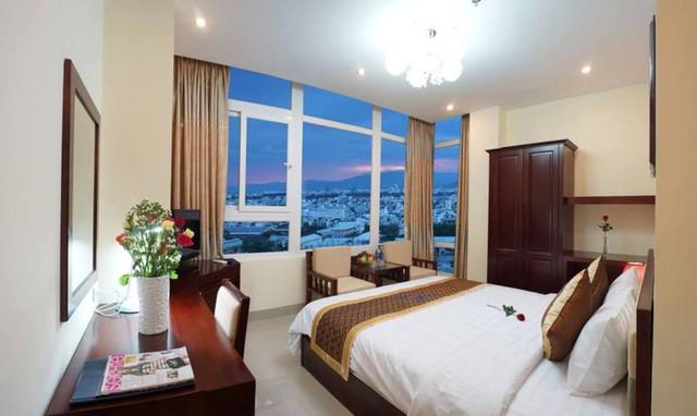 Khách sạn Gia Linh 3* Đà Nẵng - 2 phút tản bộ đến biển Mỹ Khê - 15