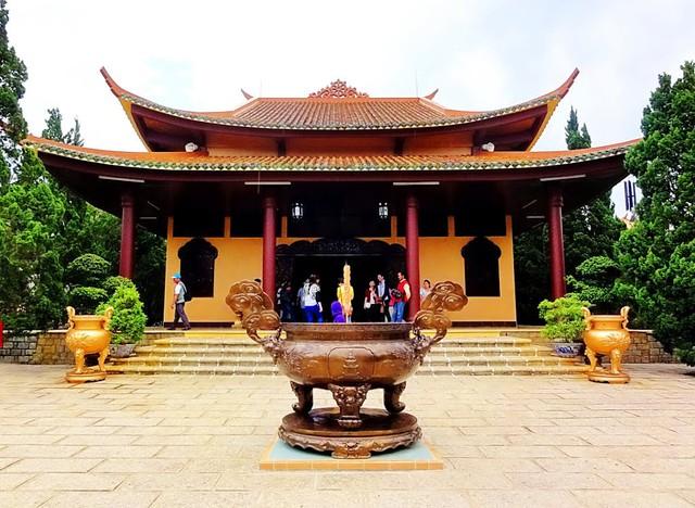 Làng Đất Sét - Chùa Linh Phước - Cà phê Chồn - Ga Đà Lạt 1 Ngày - 11