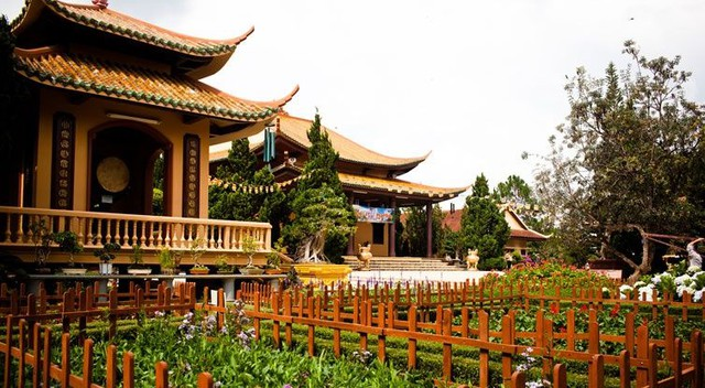 Làng Đất Sét - Chùa Linh Phước - Cà phê Chồn - Ga Đà Lạt 1 Ngày - 12