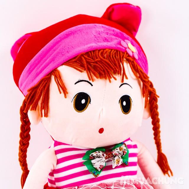 Cô gái tóc sam nhồi bông - Bé gái