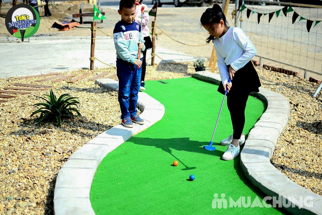 Voucher chơi gold tại Ton Mini Golf - 18 holes - 1
