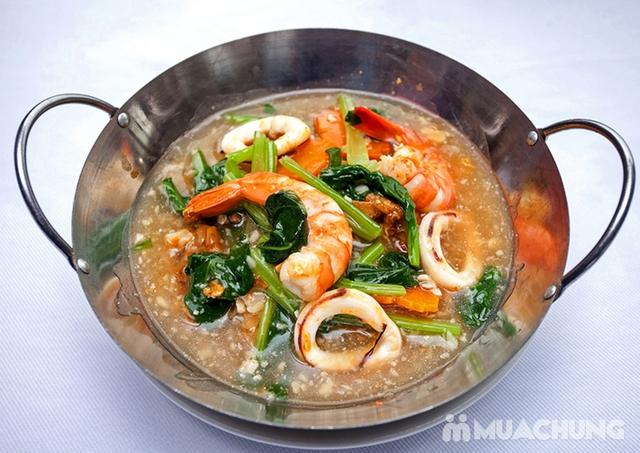 Thế Giới Mỳ Kiểu Mã Lai Đặc Biệt Kèm Đồ Uống Cho 01 Người Tại d'LIONS Restaurant - 3