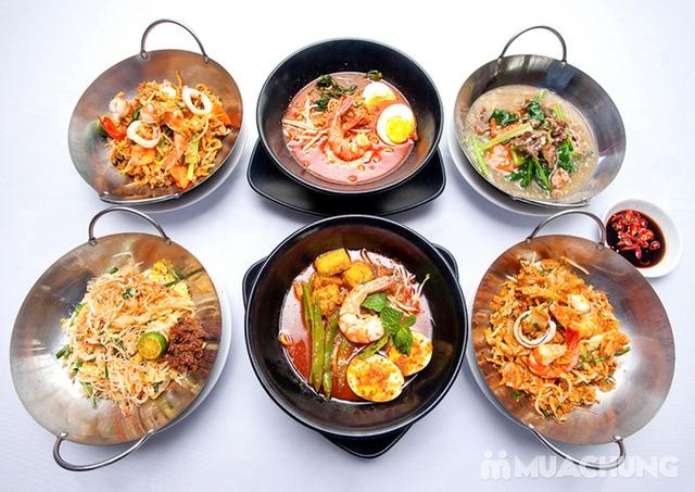 Thế Giới Mỳ Kiểu Mã Lai Đặc Biệt Kèm Đồ Uống Cho 01 Người Tại d'LIONS Restaurant - 1