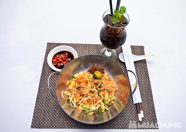 Thế Giới Mỳ Kiểu Mã Lai Đặc Biệt Kèm Đồ Uống Cho 01 Người Tại d'LIONS Restaurant - 6