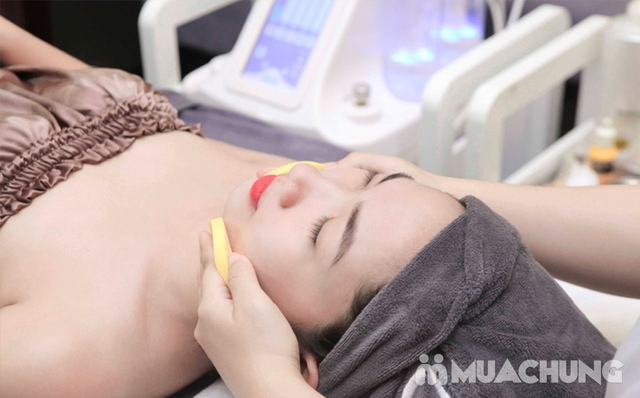 Massage Mặt Trị Liệu Với Collagen Và Đá Nóng Tại Genic Medical Spa - 6