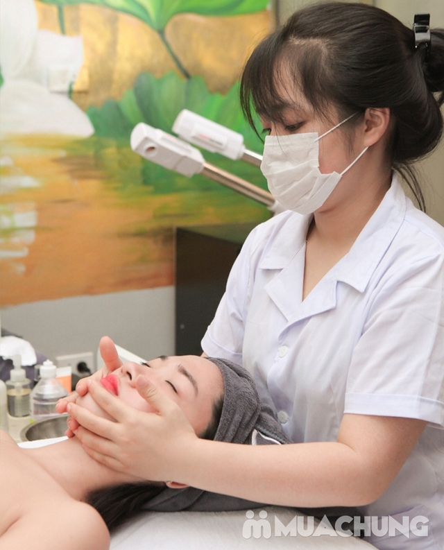 Massage Mặt Trị Liệu Với Collagen Và Đá Nóng Tại Genic Medical Spa - 7