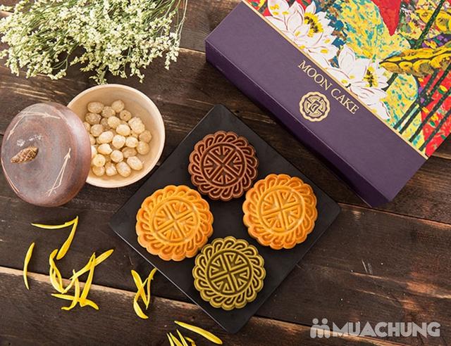 Hộp bánh Trung thu cao cấp Sắc Nguyệt Bảo Ngọc - Tinh hoa hương vị Việt - 2
