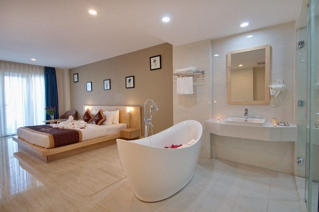 Monica Hotel Nha Trang 4 * - 3 phút tản bộ đến biển + phòng Deluxe seaview - 46