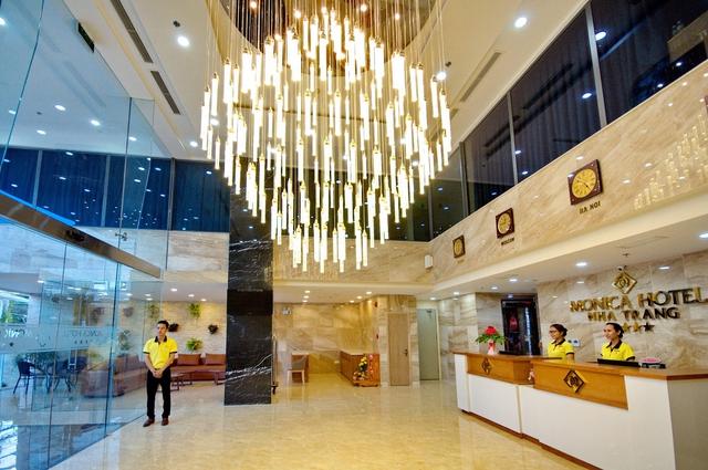 Monica Hotel Nha Trang 4 * - 3 phút tản bộ đến biển + phòng Deluxe seaview - 3