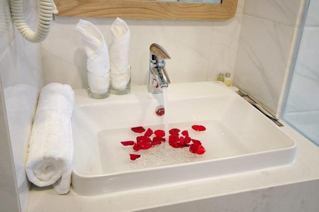 Monica Hotel Nha Trang 4 * - 3 phút tản bộ đến biển + phòng Deluxe seaview - 28