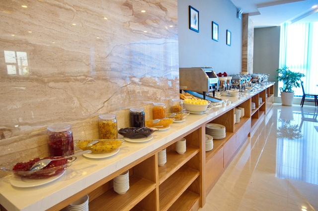 Monica Hotel Nha Trang 4 * - 3 phút tản bộ đến biển + phòng Deluxe seaview - 57