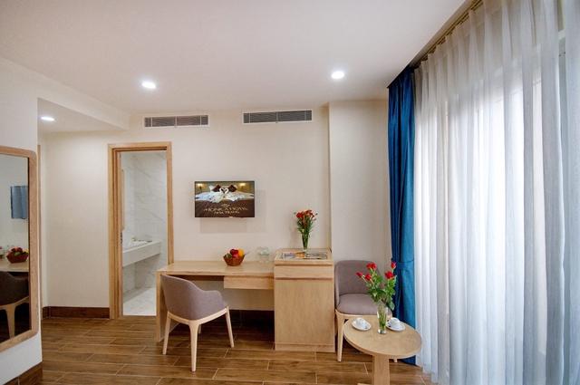 Monica Hotel Nha Trang 4 * - 3 phút tản bộ đến biển + phòng Deluxe seaview - 40