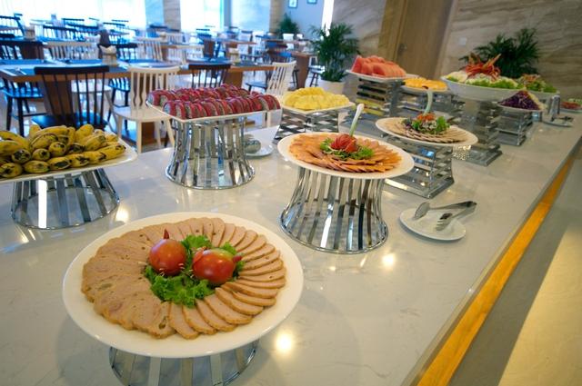 Monica Hotel Nha Trang 4 * - 3 phút tản bộ đến biển + phòng Deluxe seaview - 59