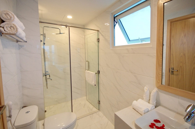 Monica Hotel Nha Trang 4 * - 3 phút tản bộ đến biển + phòng Deluxe seaview - 36