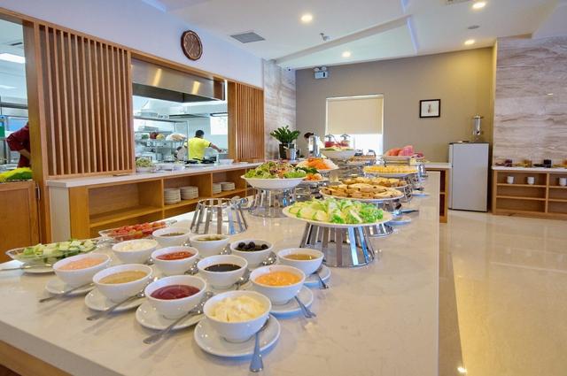 Monica Hotel Nha Trang 4 * - 3 phút tản bộ đến biển + phòng Deluxe seaview - 56