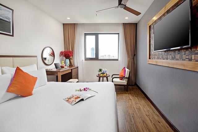 White Sand Boutique Hotel 3,5* Đà Nẵng- 5 phút đi bộ tới biển + có hồ bơi - 9