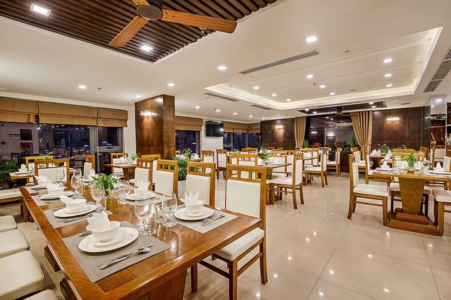 White Sand Boutique Hotel 3,5* Đà Nẵng- 5 phút đi bộ tới biển + có hồ bơi - 23