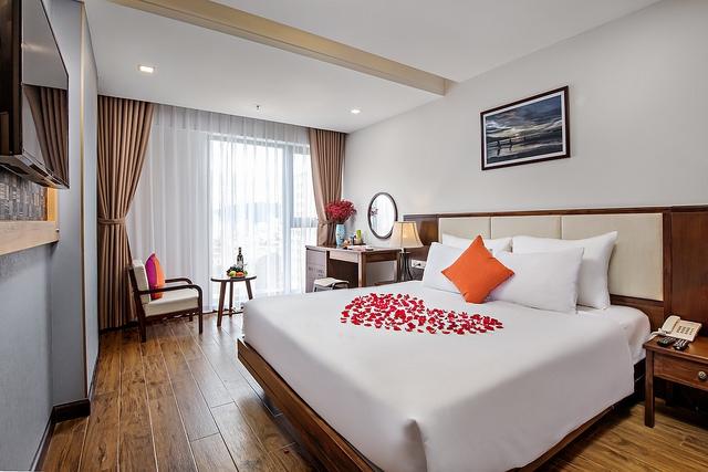 White Sand Boutique Hotel 3,5* Đà Nẵng- 5 phút đi bộ tới biển + có hồ bơi - 4