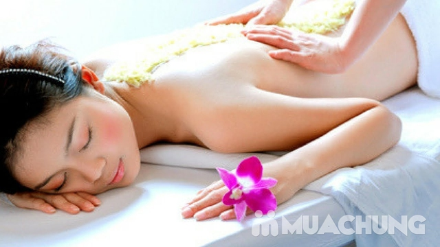 Massage trị liệu tẩy tế bào chết toàn thân tại Akira Clinic Spa - 8