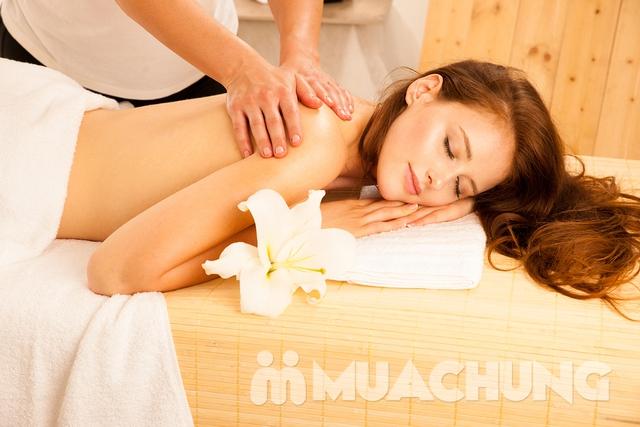 Massage trị liệu tẩy tế bào chết toàn thân tại Akira Clinic Spa - 4
