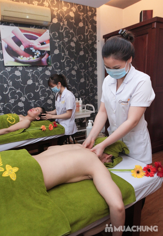 Massage body chạy đá nóng kết hợp bấm huyệt đả thông kinh lạc tại Gemma Spa - 3