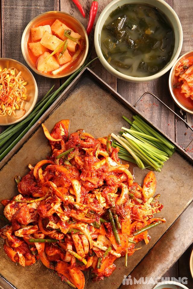 """Set """"Gà tần sâm + Bánh hải sản/Cơm trộn HQ + Panchan không giới hạn"""" cho 2 người - Nhà hàng Chum - 1"""