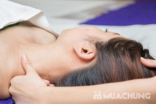 Gội đầu dưỡng sinh kết hợp chạy tinh dầu đá nóng, massage cổ, vai, gáy tại Queen Spa - 6