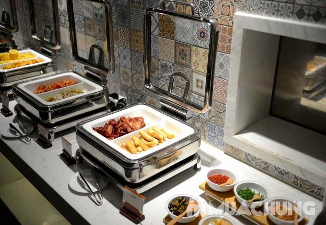 Buffet trưa nhiều món ngon, đặc sản dân tộc tại Khách sạn La Belle Vie - 13