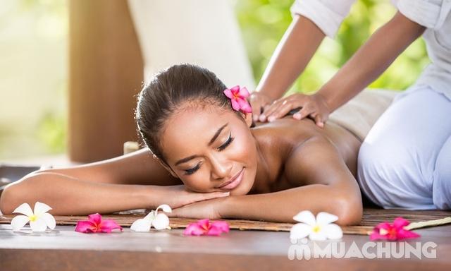 Massage điều trị mỏi vay gáy, thải độc tố bằng thảo dược tại Sài Gòn Xinh Spa - 5
