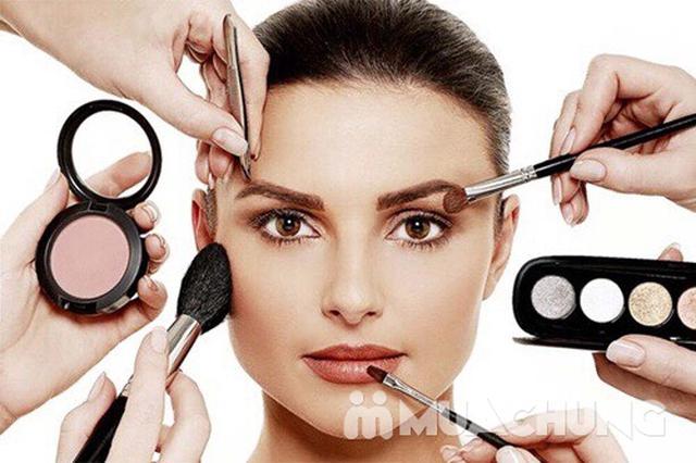 Khoá học Makeup cá nhân kết hợp Stylist định hình phong cách của Flou.Studio - 20