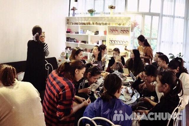 Khoá học Makeup cá nhân kết hợp Stylist định hình phong cách của Flou.Studio - 15