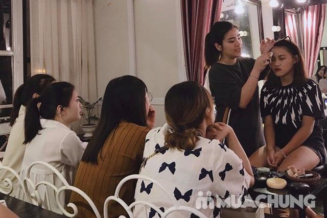 Khoá học Makeup cá nhân kết hợp Stylist định hình phong cách của Flou.Studio - 13