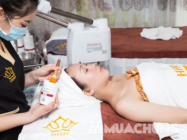 Chăm sóc da mặt chuyên sâu bằng mỹ phẩm Christina tại Viện thẩm mỹ Hoàng Gia - 13
