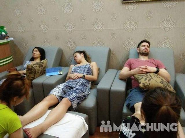 Combo 2 dịch vụ massage body và ngâm chân thảo dược tại Lotus Spa - 1
