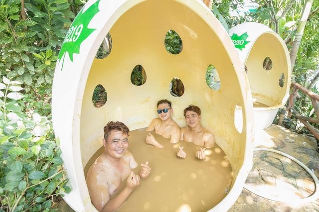 Tắm bùn trong Bồn Đá - KDL Trăm Trứng Nha Trang + áp dụng từ 4 khách - 1